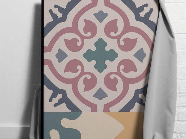 Dentro, pósters hechos con papel reciclado de vasos de café.