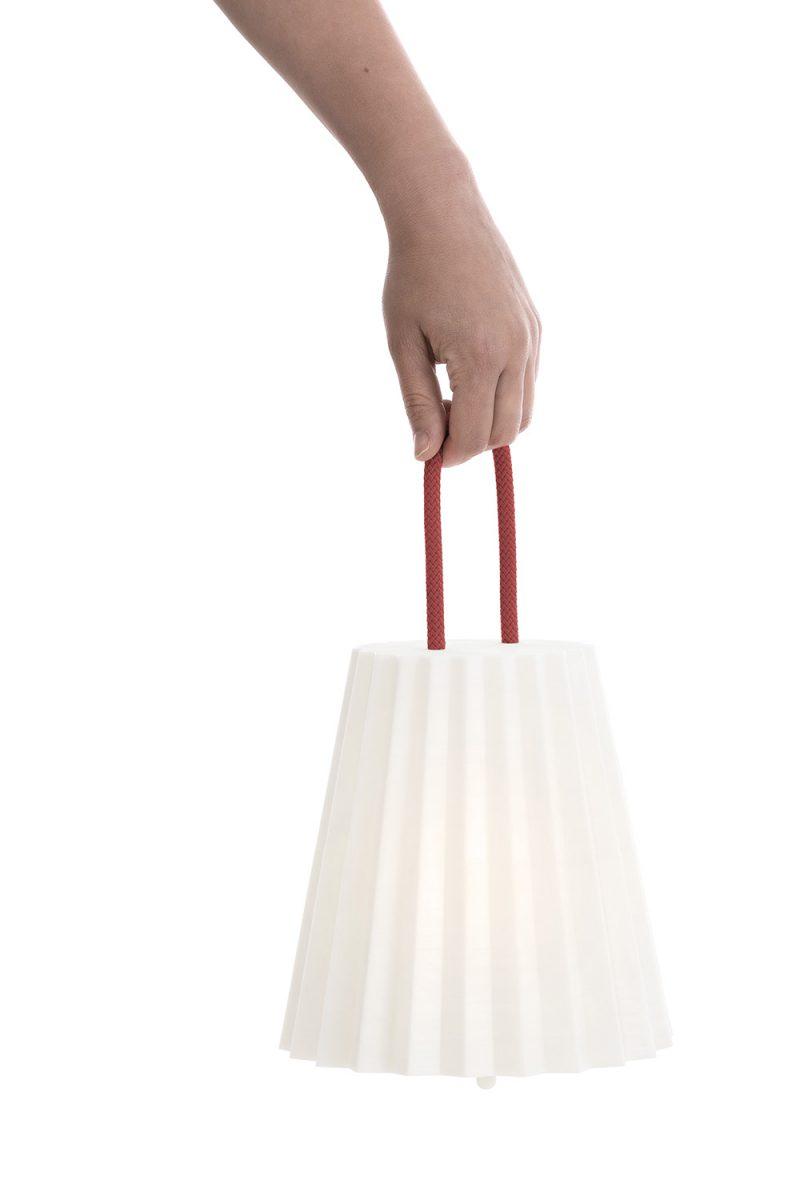 Plisy, la lámpara plisada de Alejandra Gandía-Blasco