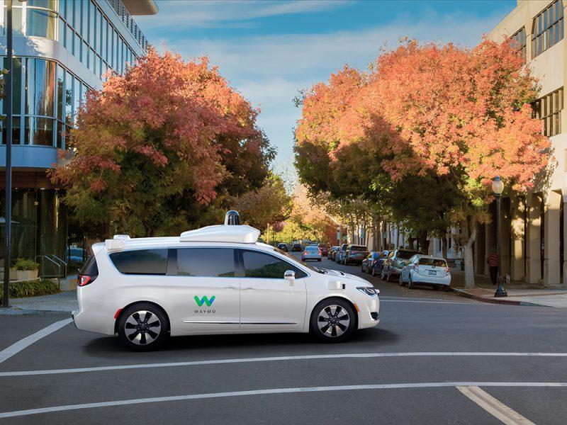 Waymo, la primera compañía de taxis sin conductores se pone en marcha