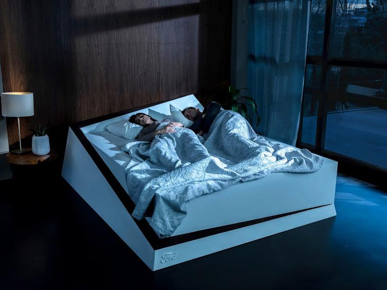 Lane-Keeping Bed, la cama inteligente de Ford. Cada uno en su lado