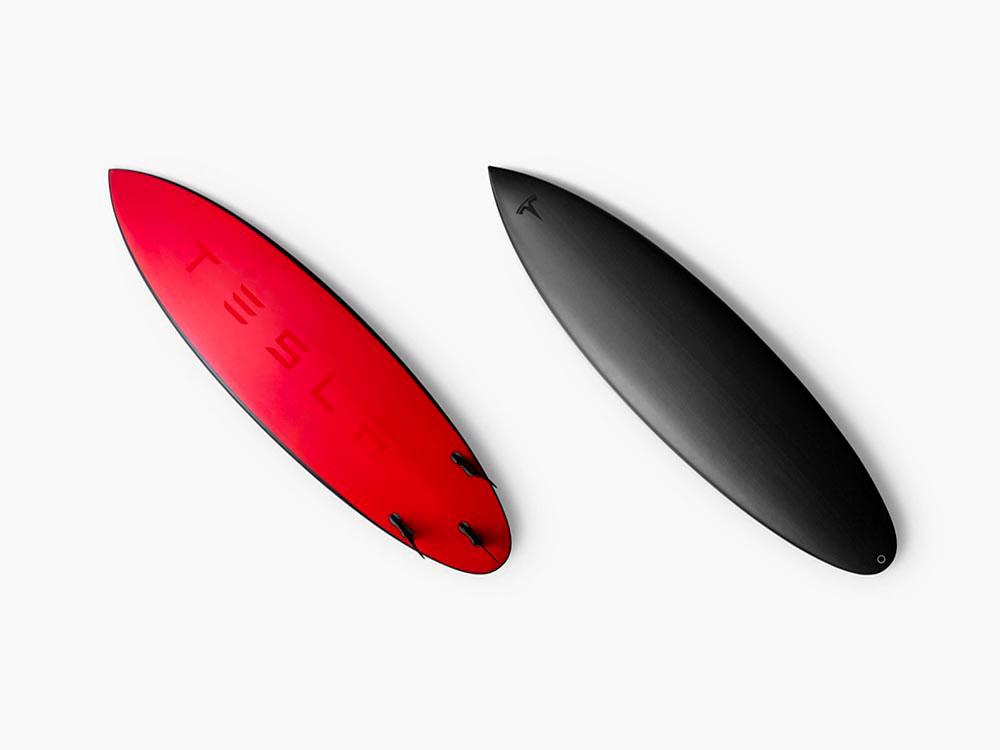 Una tabla de surf, lo nuevo de Elon Musk. Lanzallamas, coches miniatura…