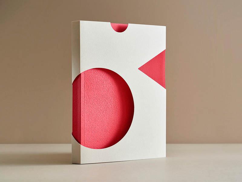 Zippy, estética lúdica y dinámica en el manual de marca diseñado por Pacifica