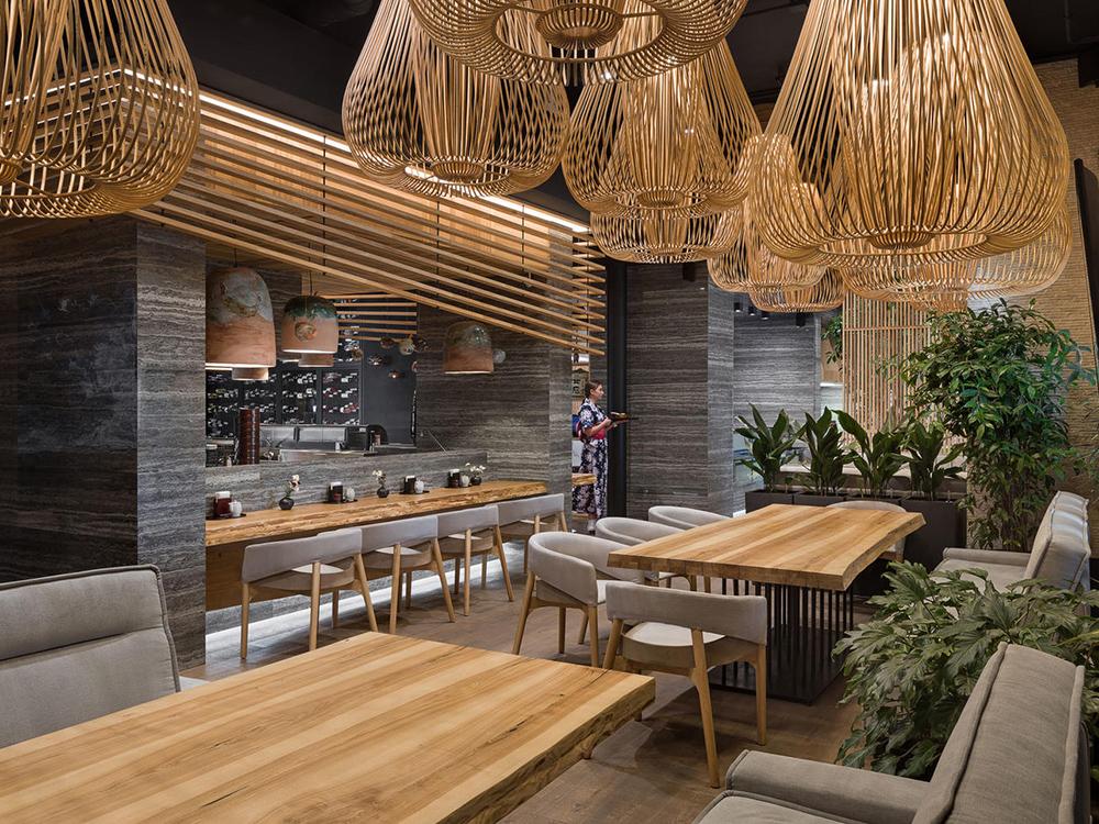 Sergey Makhno interviene un restaurant japonés en el corazón de Kiev