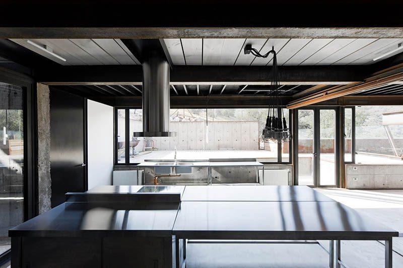 Casa Oruga. Simbiosis entre obra y paisaje, en la vivienda diseñada por Sebastián Irarrázaval