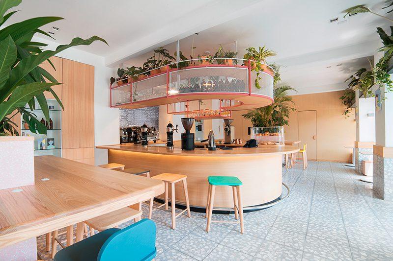 Blend Station II, la segunda cafetería de Futura en Ciudad de México. Ilustración y ambiente desenfadado