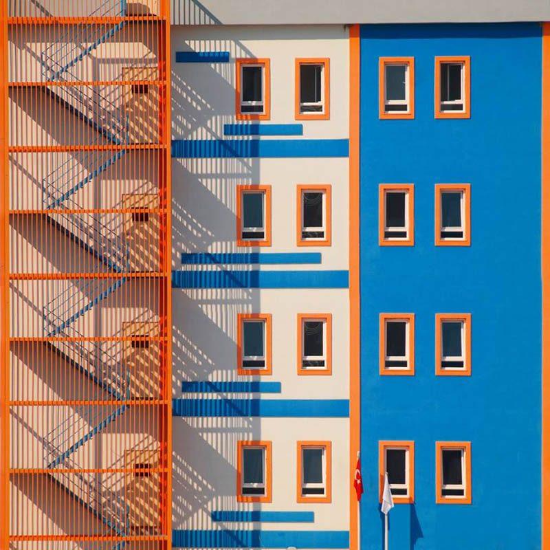 Yener Torun enseña otra cara de la arquitectura turca, en su serie fotográfica Façades