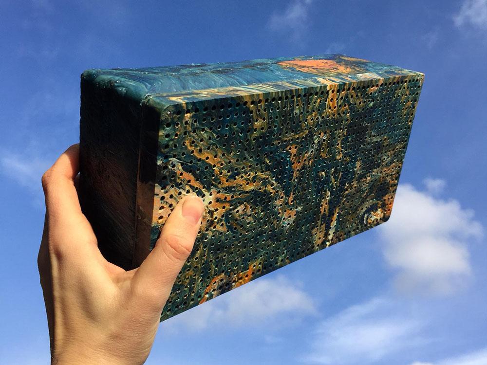 Gomi Speaker, el altavoz portátil de Gomi. Una nueva vida para los residuos plásticos