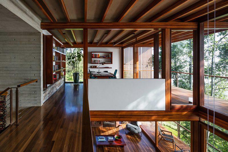 Residencia CM del estudio Reinach Mendoça en fusión con el entorno natural