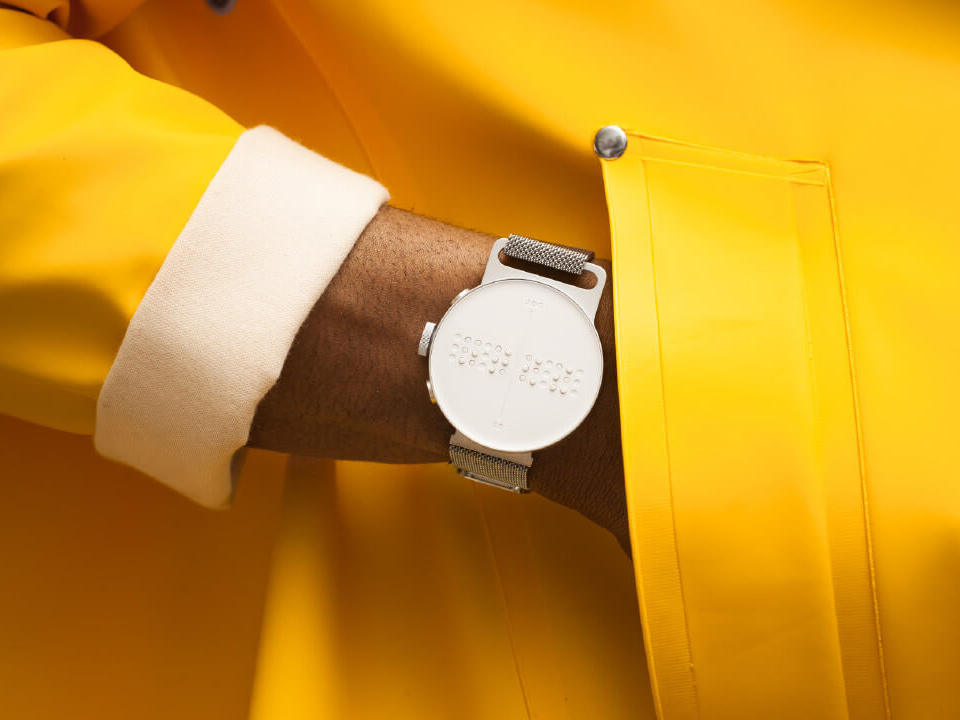 Dot Watch, el reloj de pulsera inteligente para personas con discapacidad visual