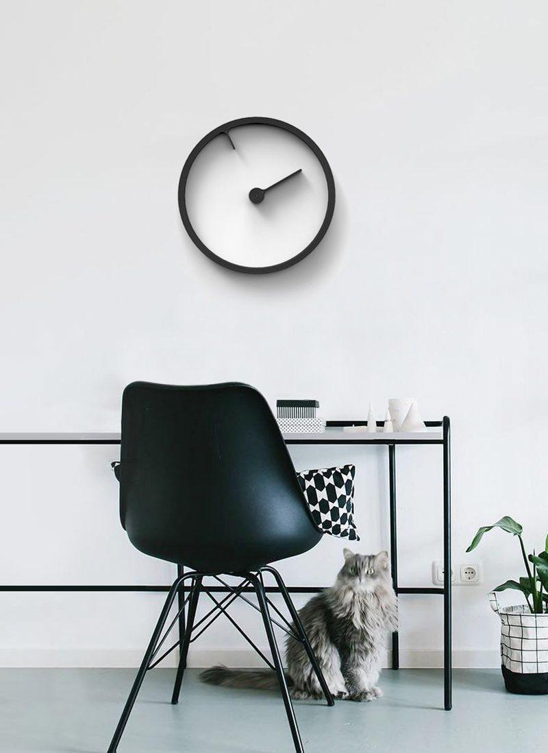 Reverse, o cómo repensar un reloj de pared. Un diseño de Mattice Boets