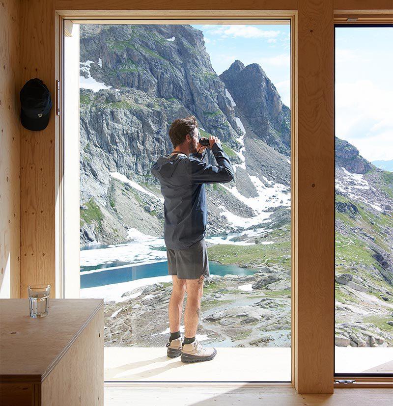 La cabaña de montaña diseñada por Thilo Alex Brunner para la marca de running On. Regresar a los orígenes