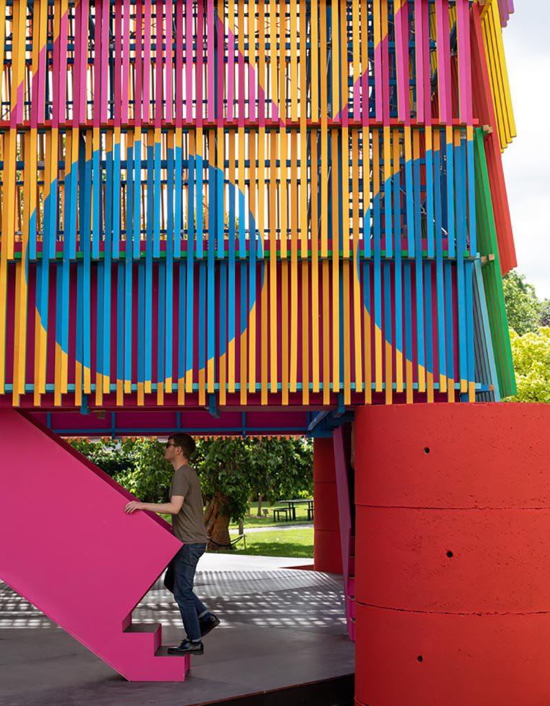 The Colour Palace. Geometría y color en el pabellón del estudio Pricegore y el artista Yinka Ilori para la Galería Dulwich