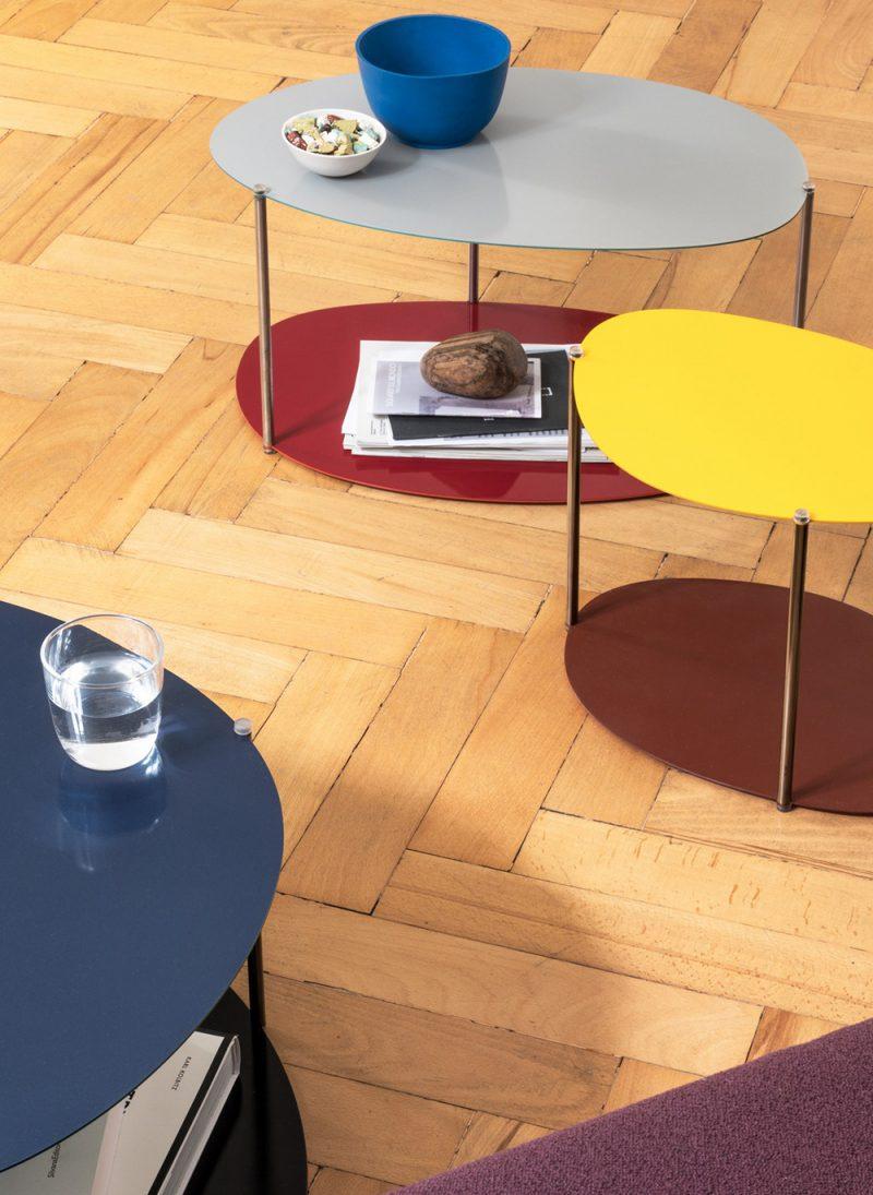 Picos, las mesas auxiliares de Claesson Koivisto Rune. Formas orgánicas, inspiración años 70