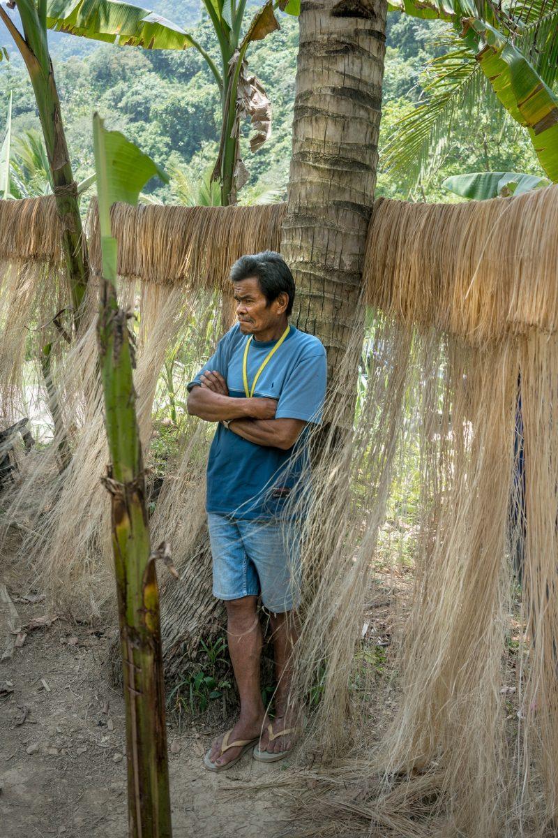 Diseño textil: la colección de mochilas minimalistas hechas con fibra de banana de Qwstion