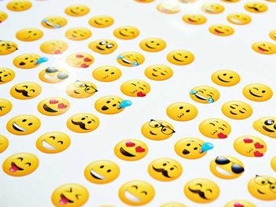 Fundéu BBVA elige a los emojis como la palabra del año. La evolución de la palabra escrita