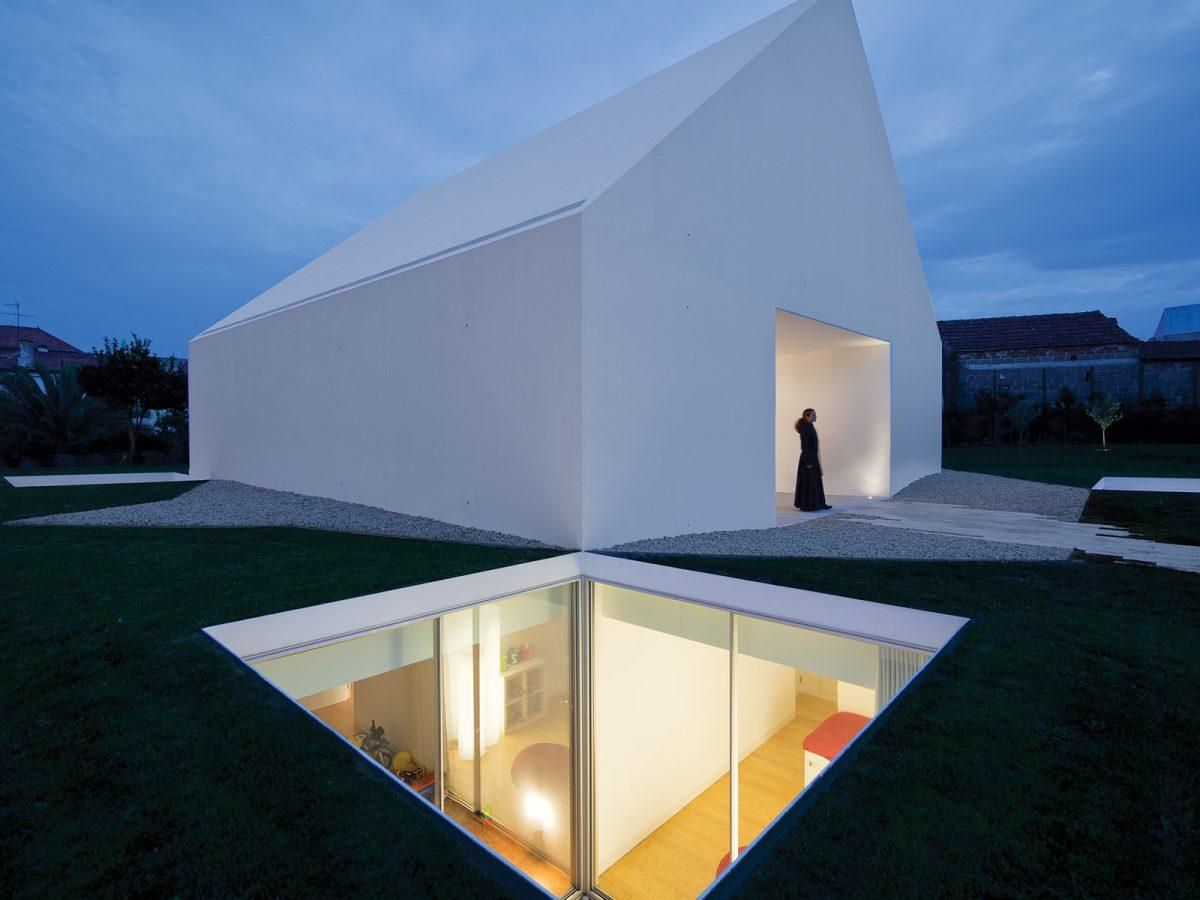 House In Leiria, de Aires Mateus. El diseño de una verdadera casa minimalista