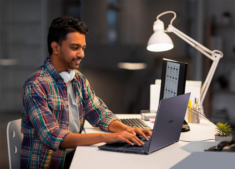 ASUS presenta el ProArt StudioBook Pro 17 (W700). El portail definitivo