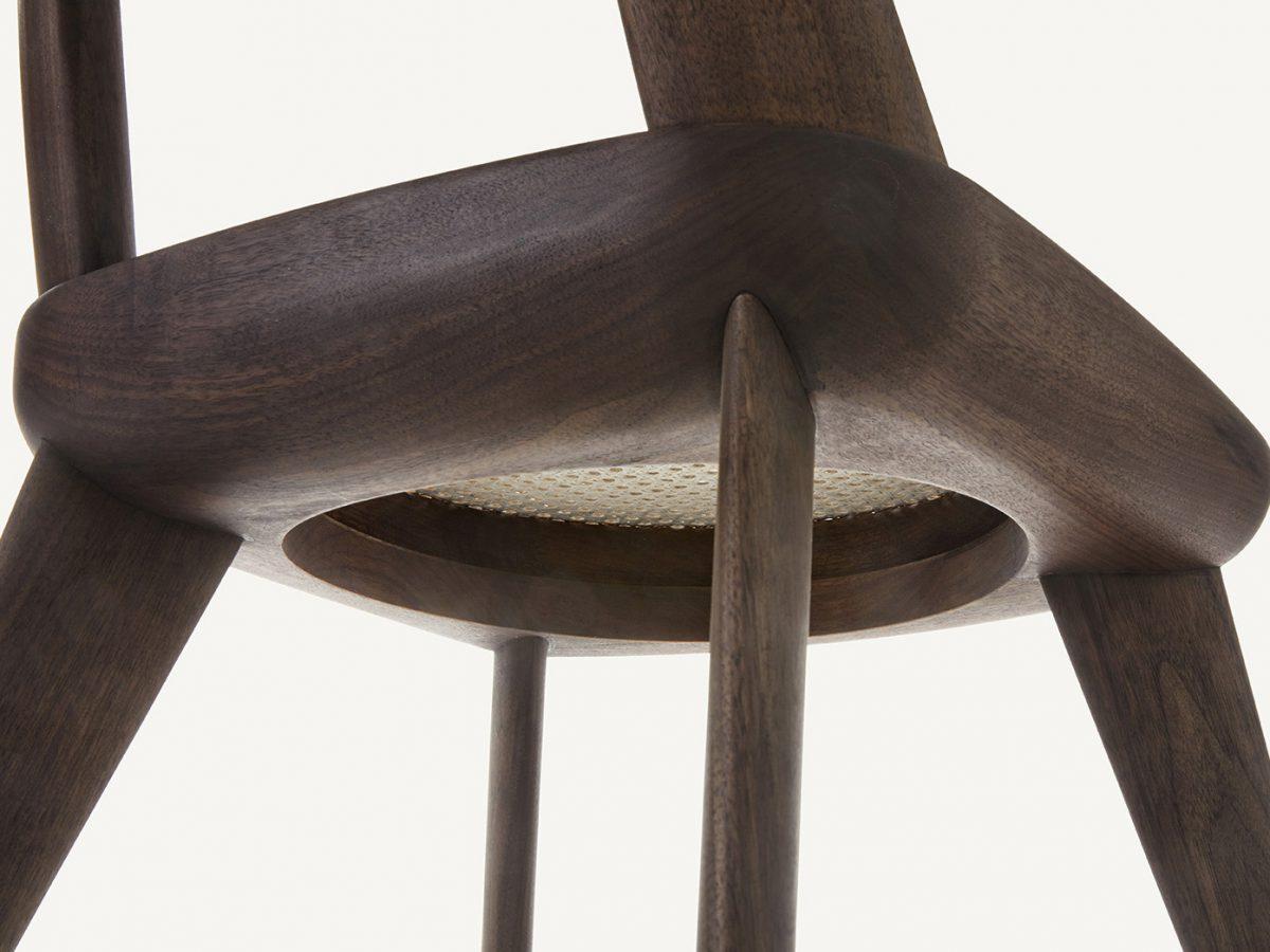 Los asientos brutalistas de BassamFellows. Buen diseño artesanal estadounidense