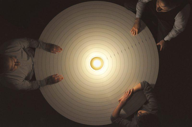 Eva y Eve, de Foster + Partners para Lumina. La compleja simplicidad de una lámpara