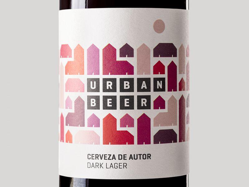 La caja de tipos desarrolla el branding y el packaging de Urbanbeer