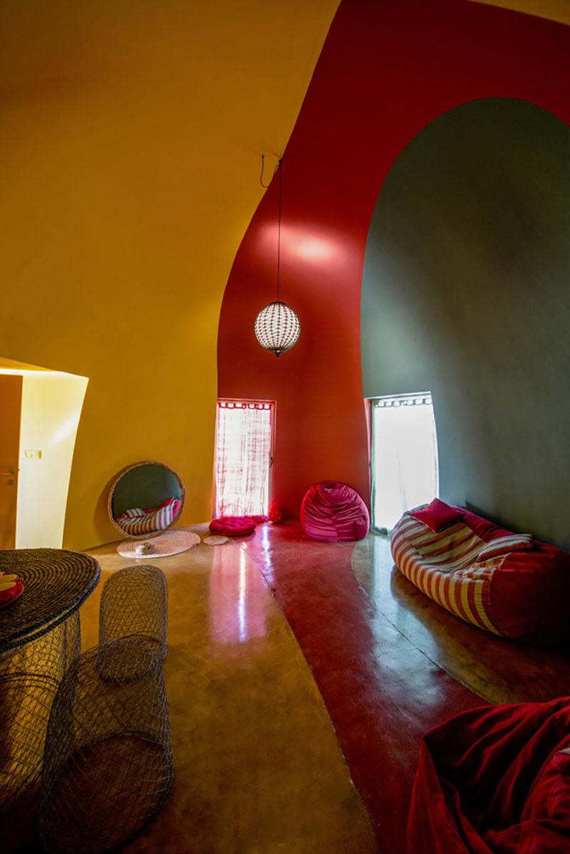 Majara Residence, el clúster de domos de superadobe de Zav Architects