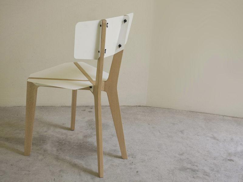 Naked, la silla desnuda de Outofstock