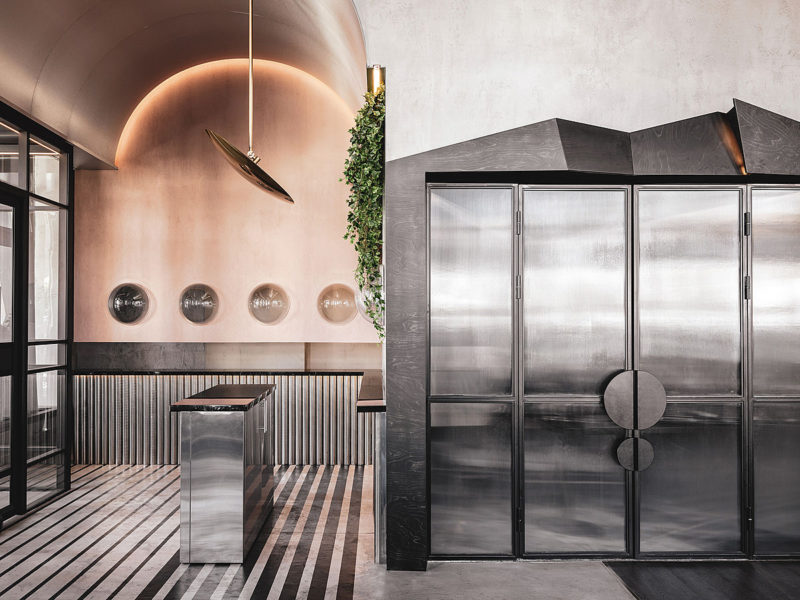 Café Polet, diseño de interior de altos vuelos. Asthetíque y la historia de la aviación rusa