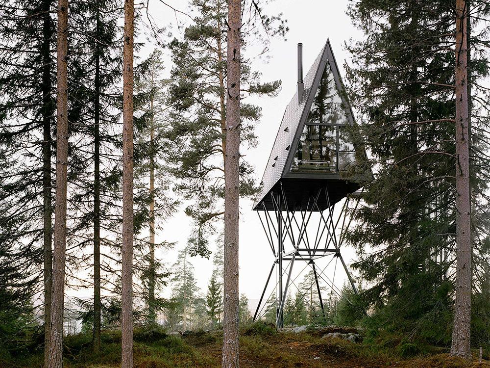 Las torres de fuego de Espen Surnevik. Refugios de altura en los bosques noruegos