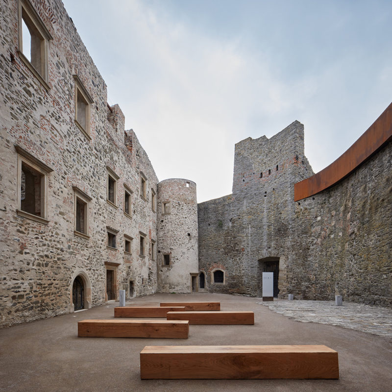 Atelier-r interviene el castillo Helfštýn. © BoysPlayNice