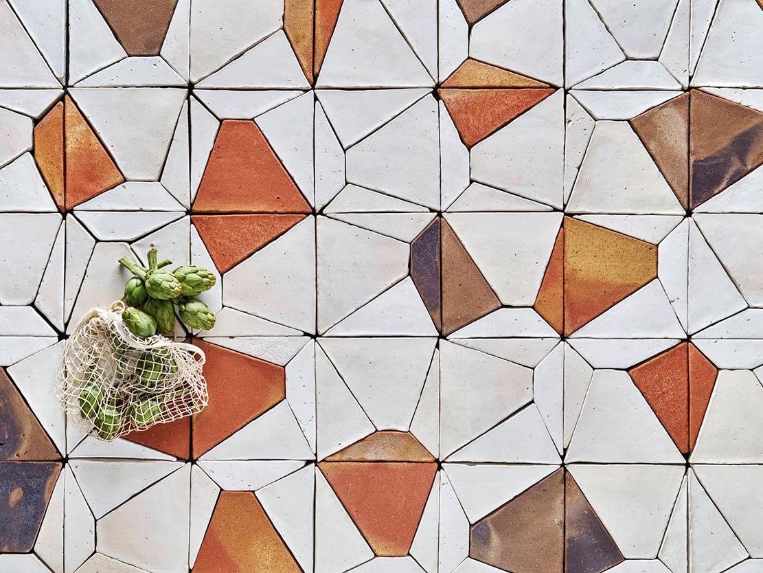 Diseño artesanal: las superficies de época de Carlos Jiménez y Damián López