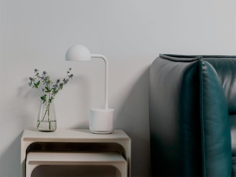 Naver presenta Clova: luz, un cuento y a dormir