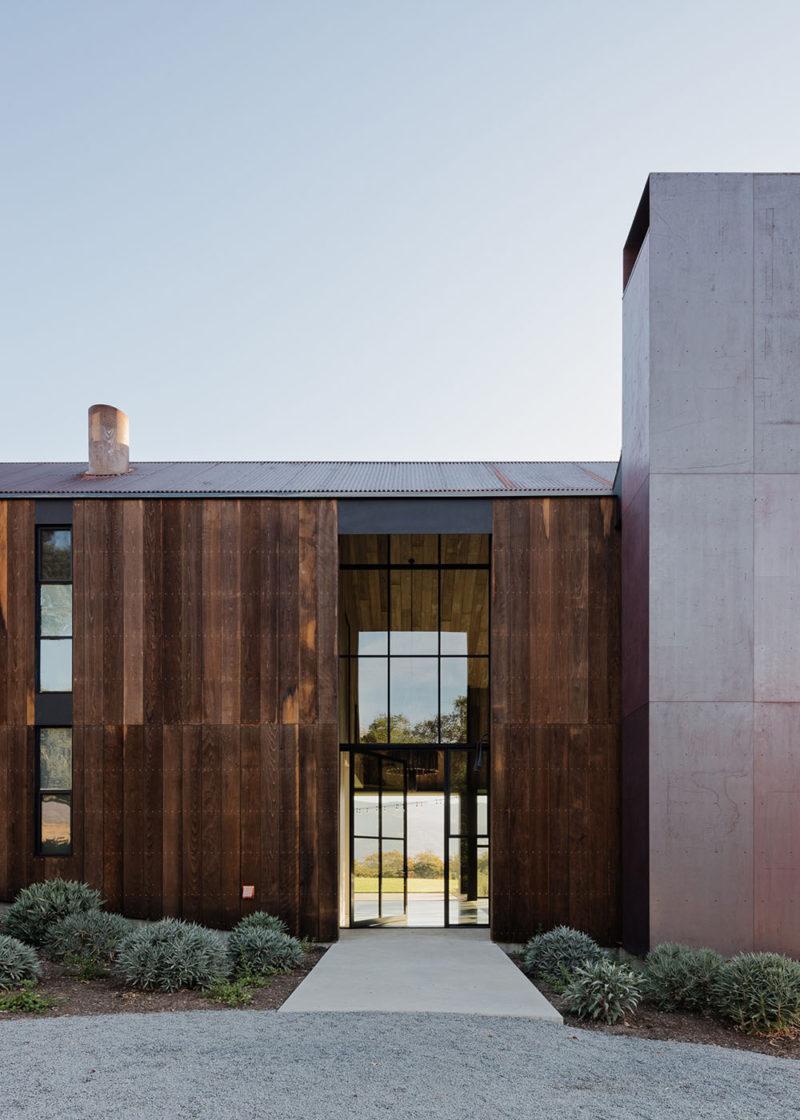Faulkner Architects y la reinterpretación de los graneros californianos