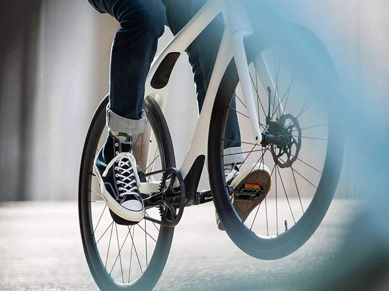 Gogoro fija un nuevo estándar en e-bikes con Eeyo