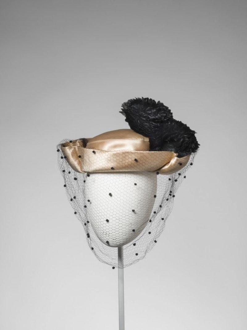 Balenciaga. La elegancia del sombrero. Museo del Diseño de Barcelona