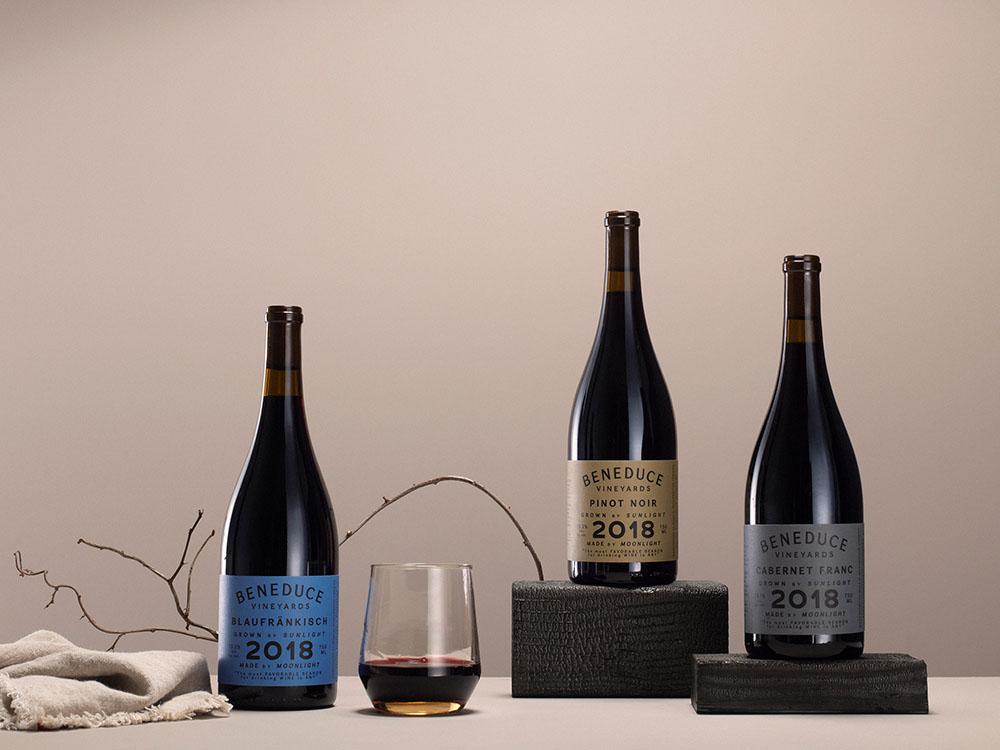 Etiquetas de vinos, nunca tendremos suficientes. Cinco proyectos para la inspiración