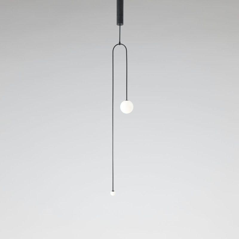 Michael Anastassiades firma Mobile Chandelier. El equilibrio de la luz