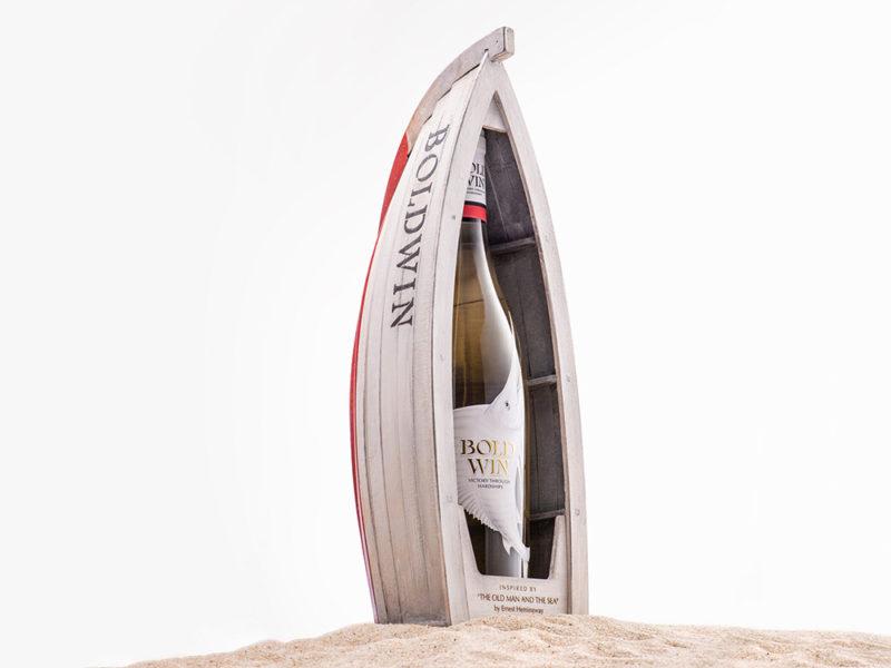 Bold Win, el branding con aires de mar de Backbone. © Backbone / Suren Manvelyan