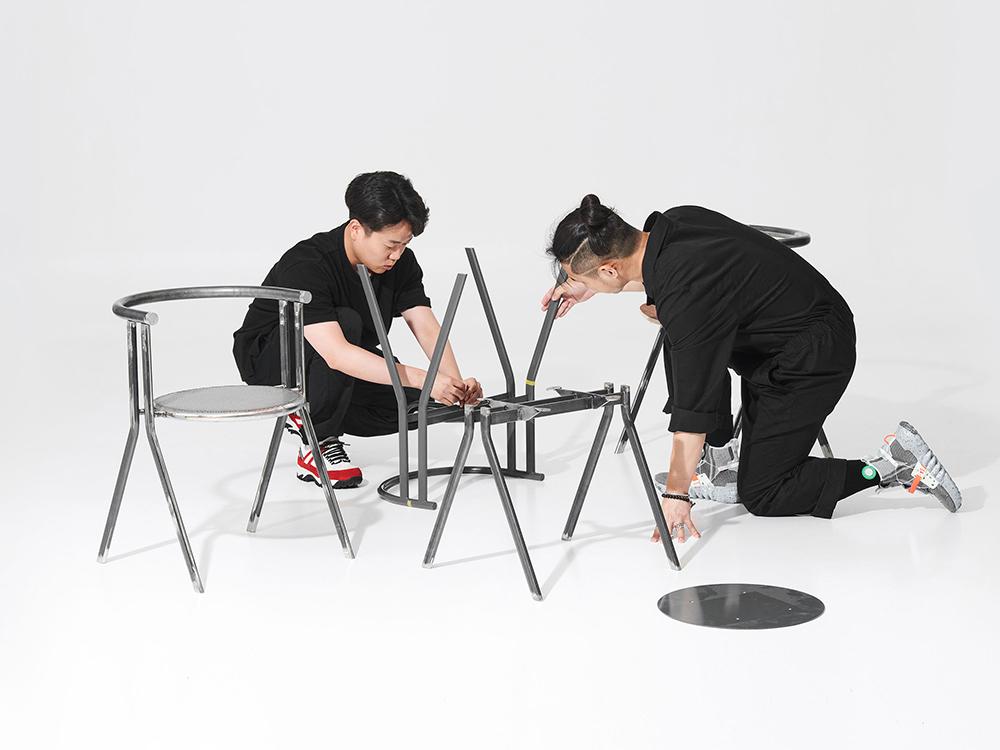 Jiyoun Kim firma 52 Degree. Ángulos de 52 grados y buen diseño de mobiliario