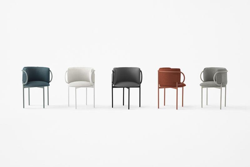 Los asientos de Nendo inspirados en un clip. © Akihiro Yoshida