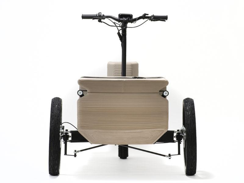 Zuv, el utilitario impreso de Eoos Next. Eléctrico, de tres ruedas y en plástico reciclado